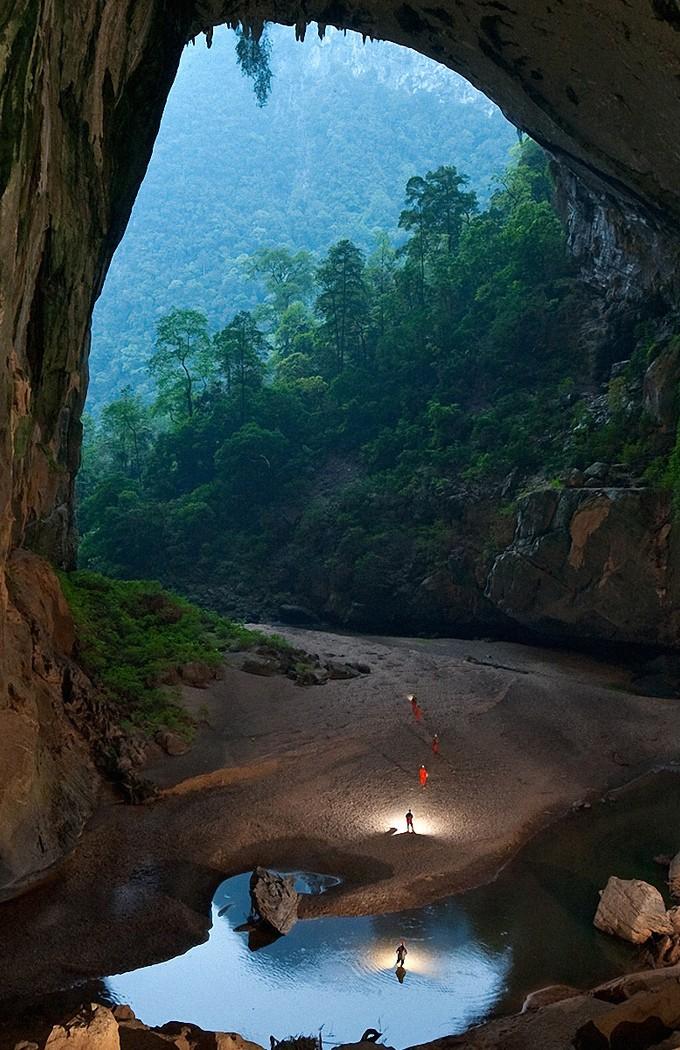 Пещера Ханг-Ен (Hang En Cave)