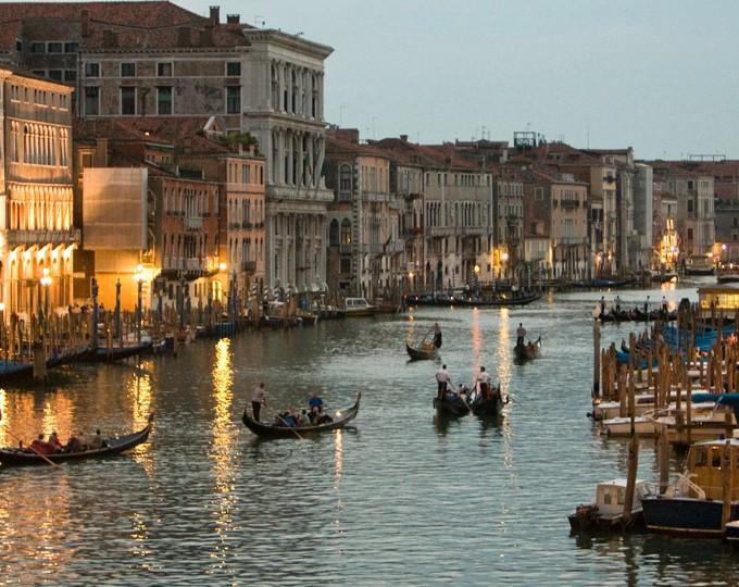 Italy-Signature-Slide5-Venice